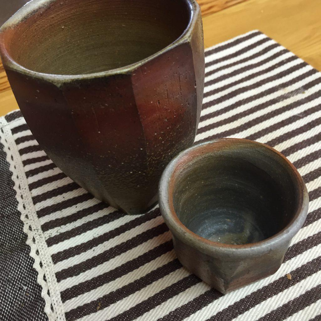 備前焼の湯飲みとぐい飲み